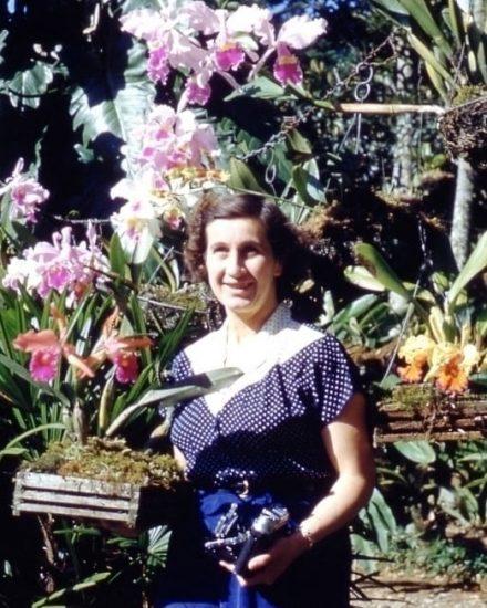 Doña Bertha y sus Orquídeas