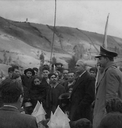 Mariano Ospina Pérez  Con los Campesinos  de Colombia